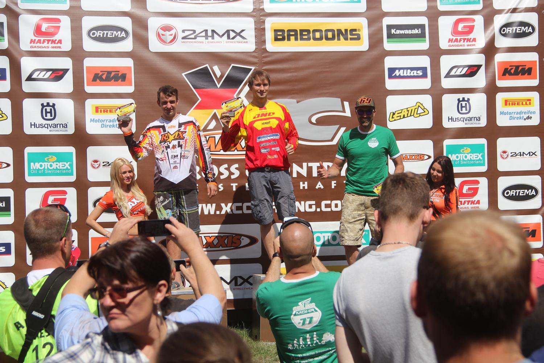 Max Freund (Mitte) auf dem Siegerpodest in Goldbach 2015
