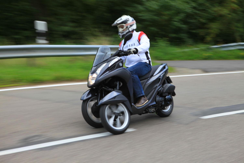 Yamaha TRICITY Dreirad Roller mit Neigetechnik.