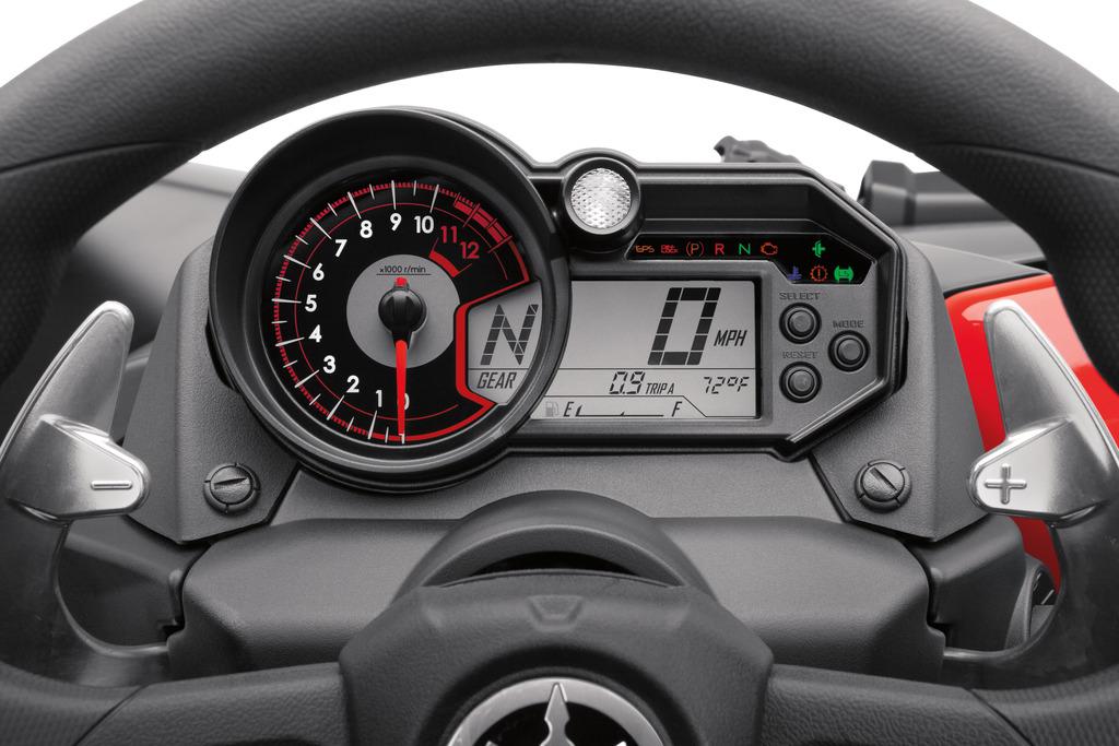 Yamaha YXZ 1000 Sport Shift - die Schaltwippen am Lenkrad.