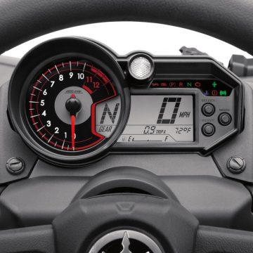 Yamaha YXZ 1000 R Sport Shift, Schaltwippen am Lenkrad.